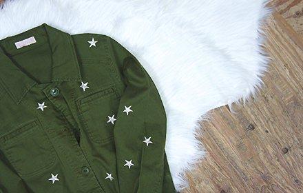 スター刺繍のミリタリージャケット!